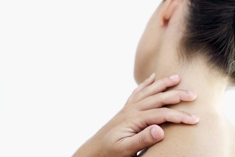 dolor punzante en el lado izquierdo de la cabeza